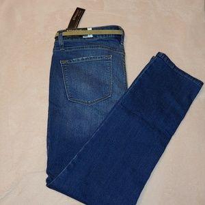 Apt. 9 Jeans with belt